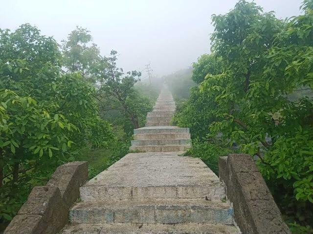 Datar-hills-stairs